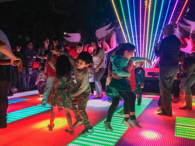 vivid dancing 2
