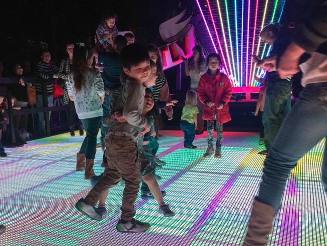 vivid dancing